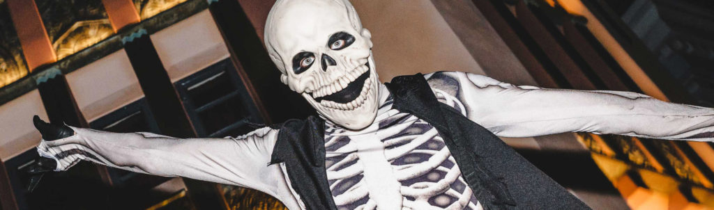 Celebrities at halloween horror nights