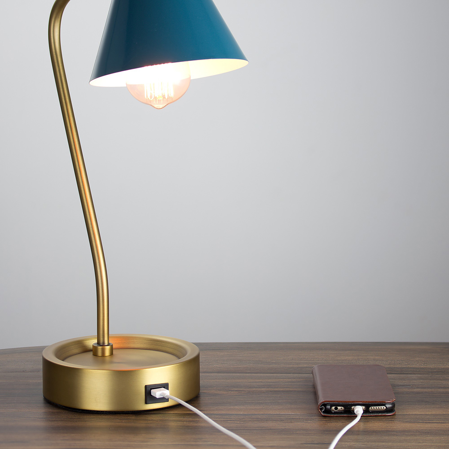 Metal Desk Lamp with USB Charger