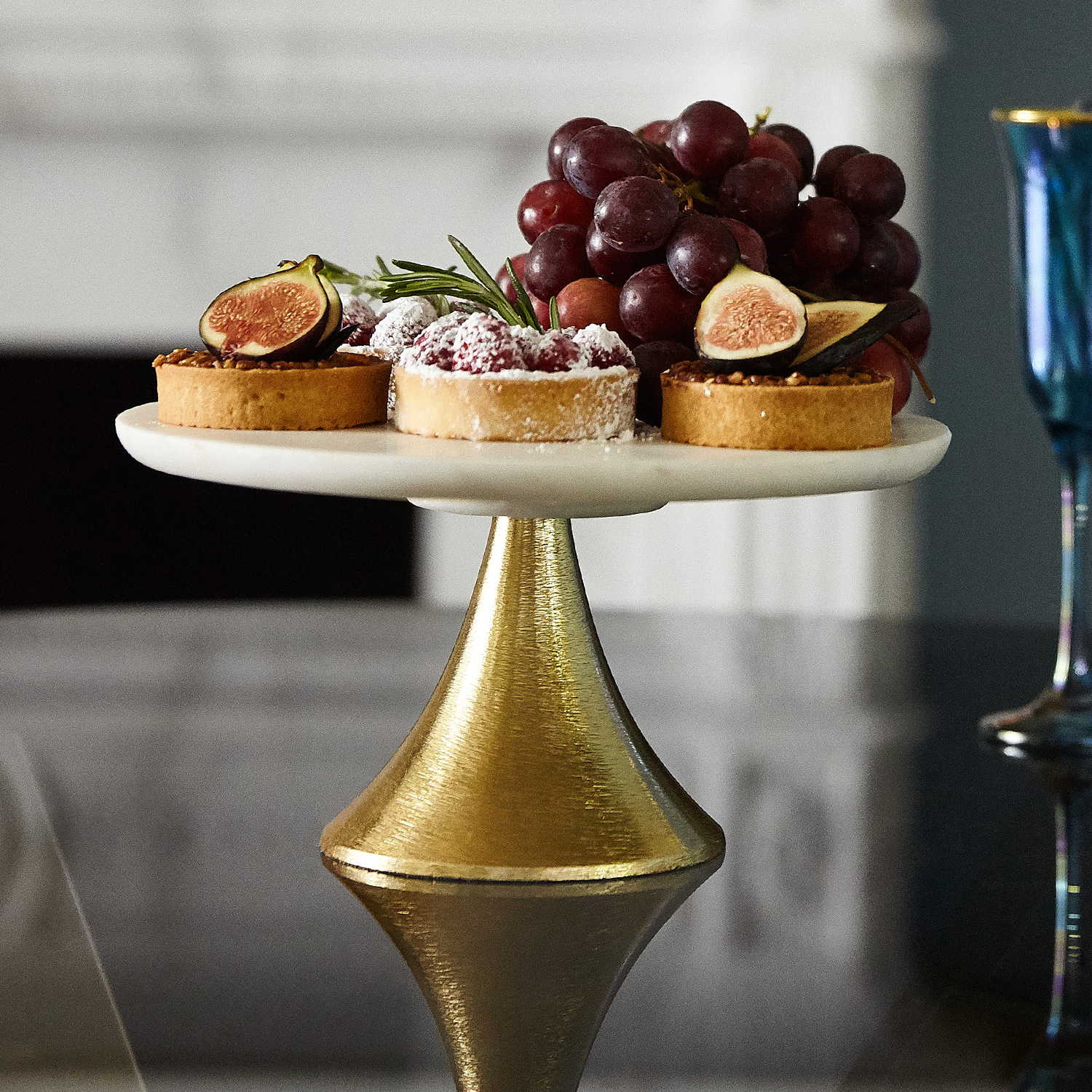 Marble & Gold Fluted Base Cake Stand