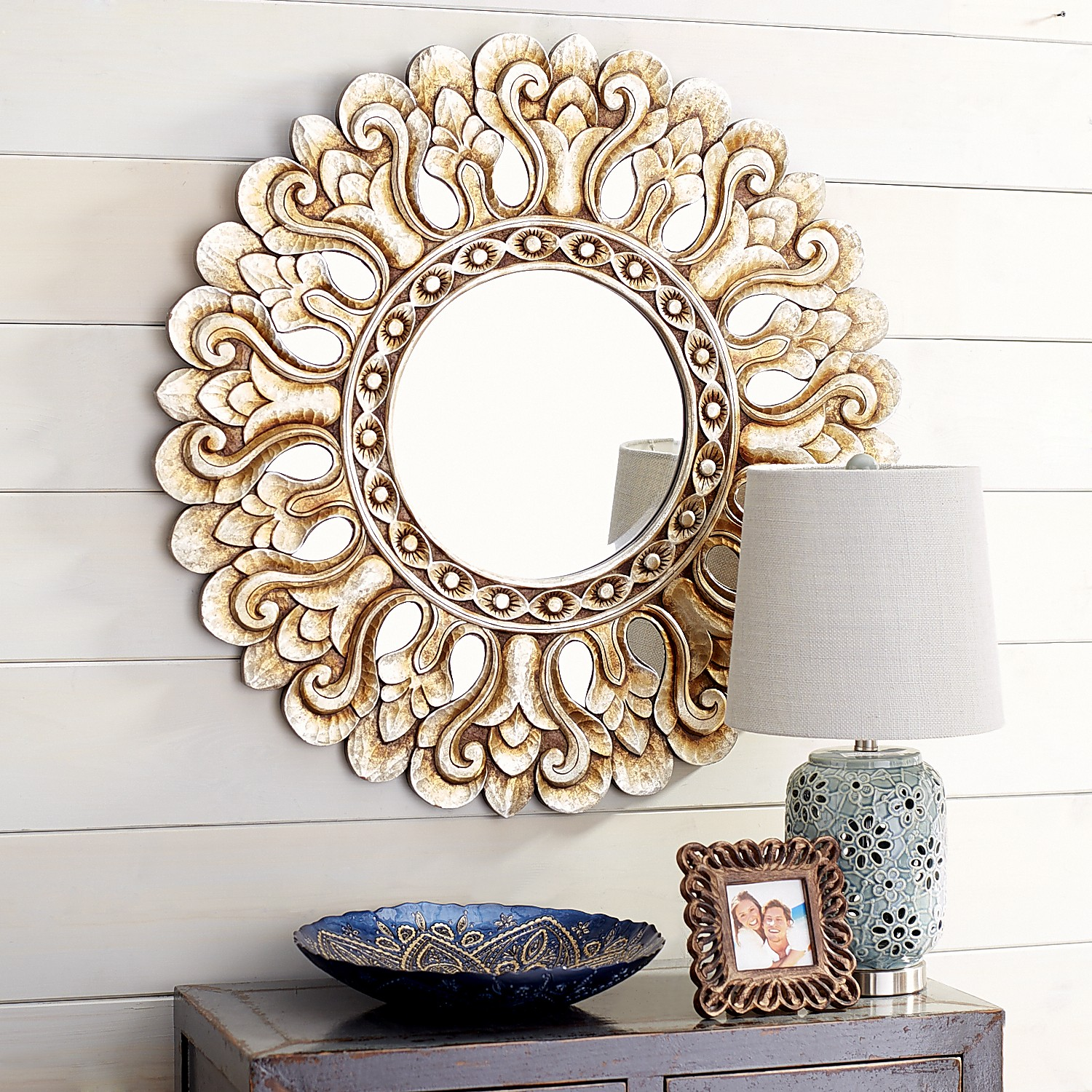 Vilano Carved Mirror - Round
