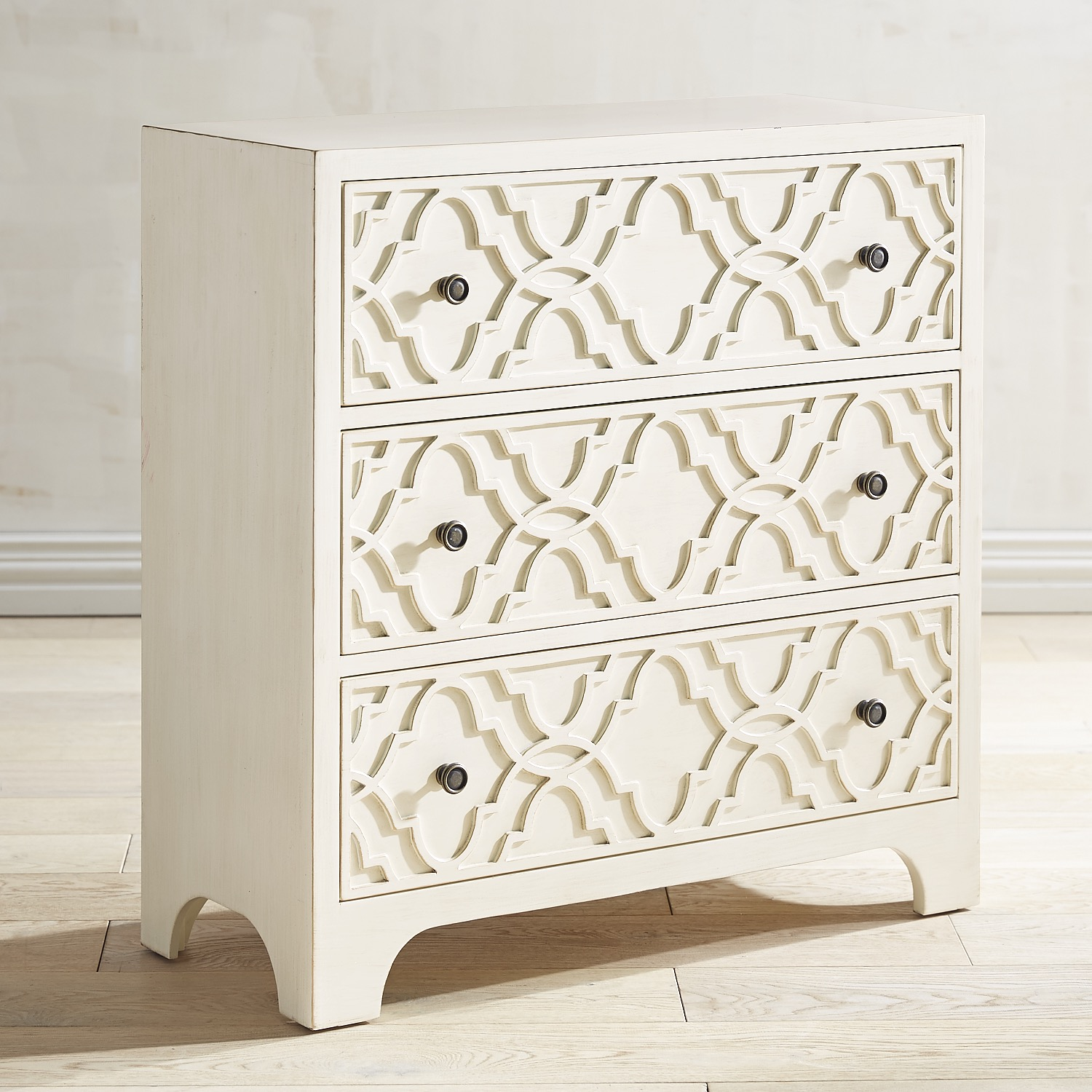 Fae Antique White 3-Drawer Chest