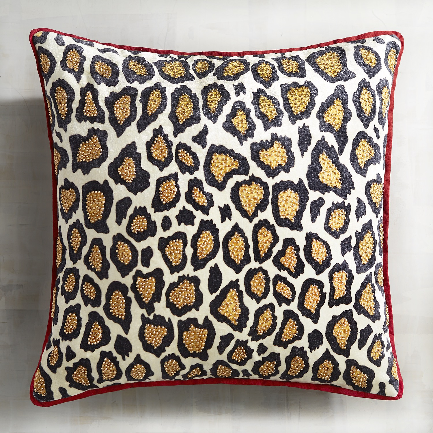 Cheetah Pattern Velvet Pillow