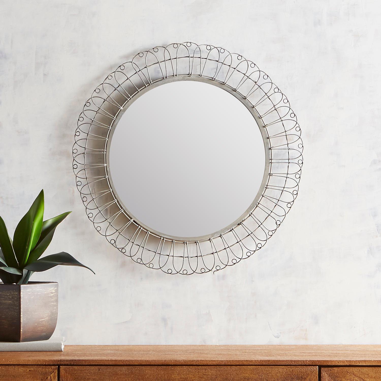 """Farmhouse Chicken Wire 22"""" Round Mirror"""