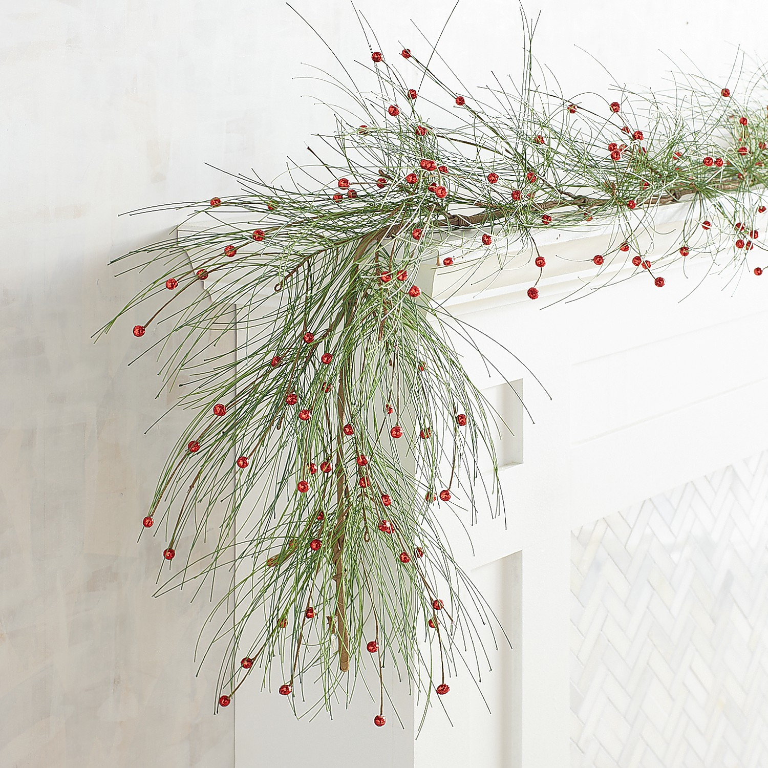 Pine with Berries 6' Garland