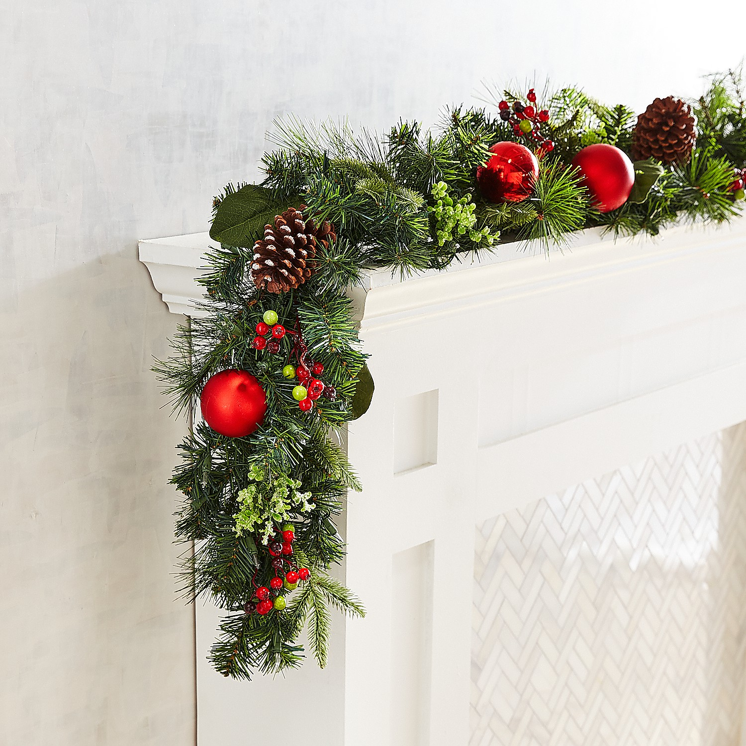 LED Pre-Lit Jolly Green 9' Outdoor Garland