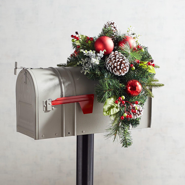Pre-Lit Jolly Green Mailbox Swag