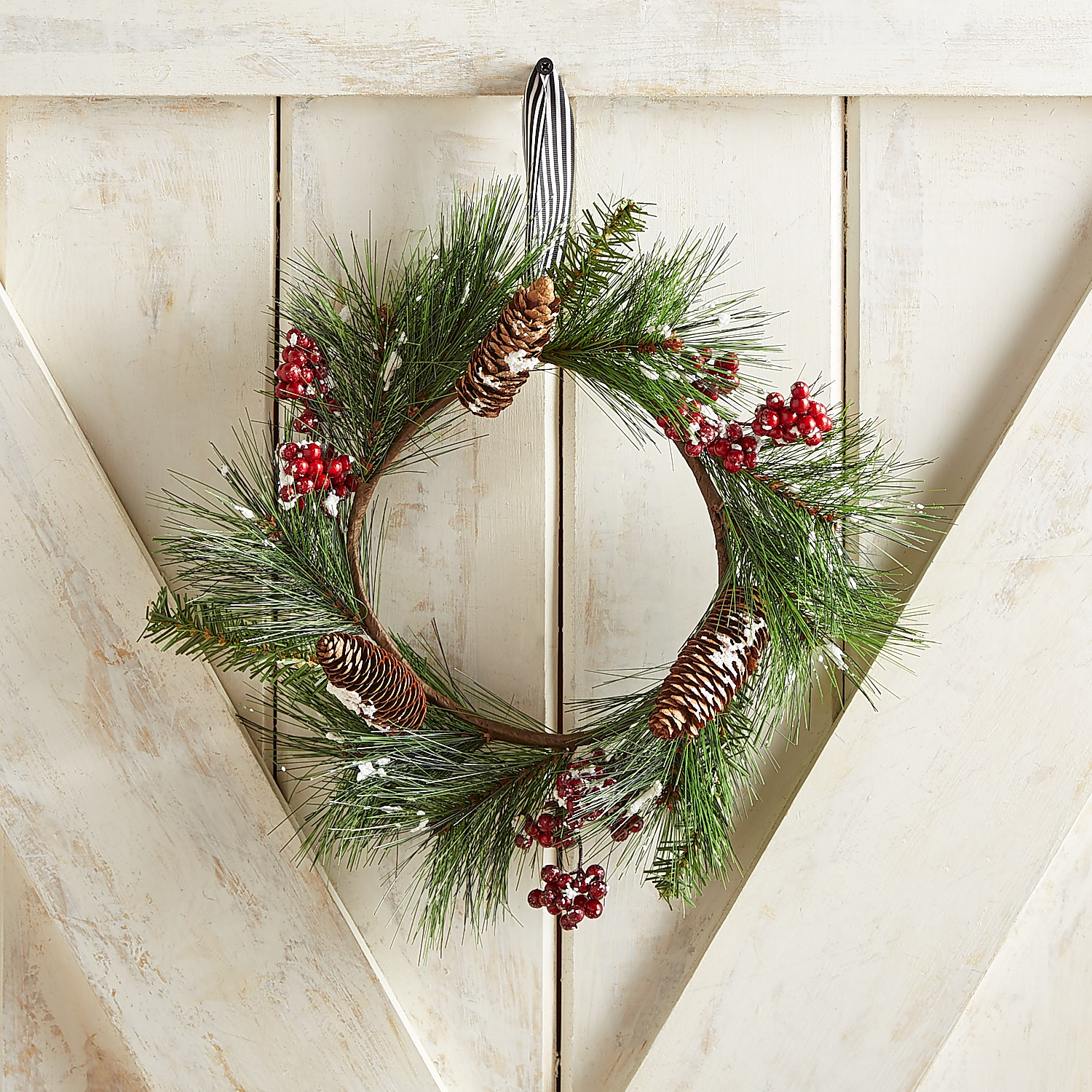 "13"" Frosted Pine Mini Wreath"