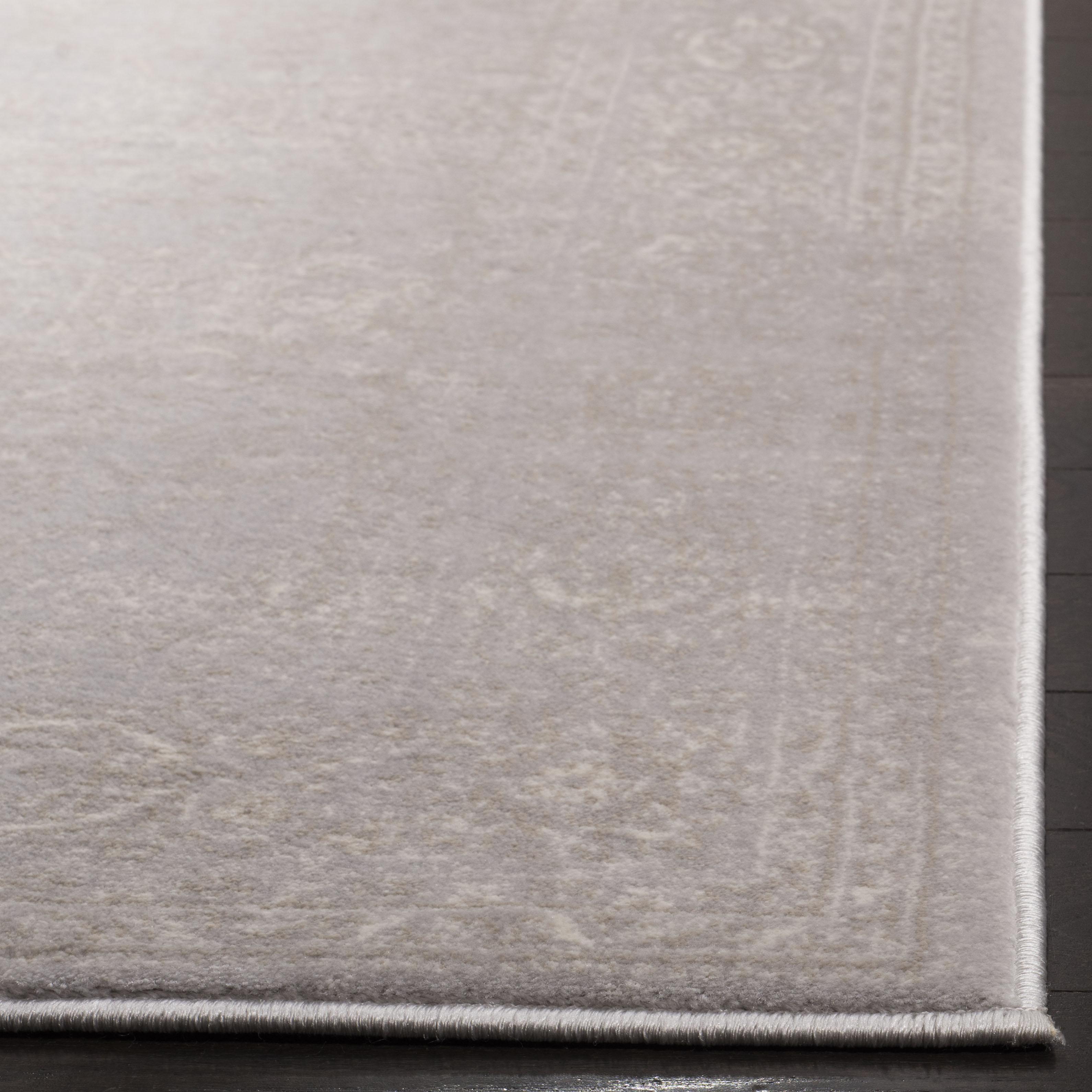 Devlin 691 8' X 10' Gray Polypropylene Rug