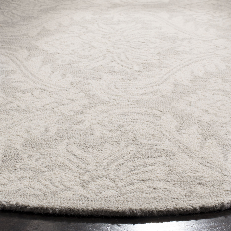Essence 513 5' X 5' Round Silver Wool Rug