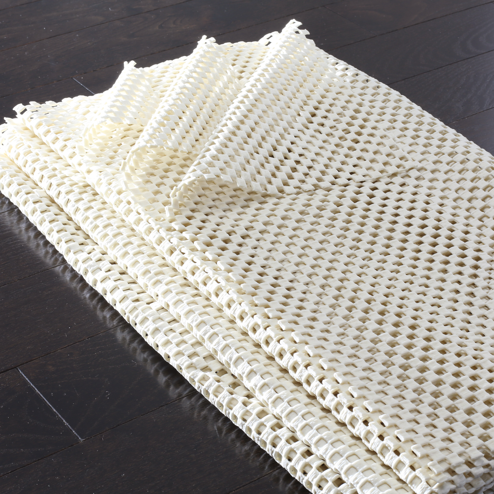Grid Pad 4' X 6' White Polyester Rug