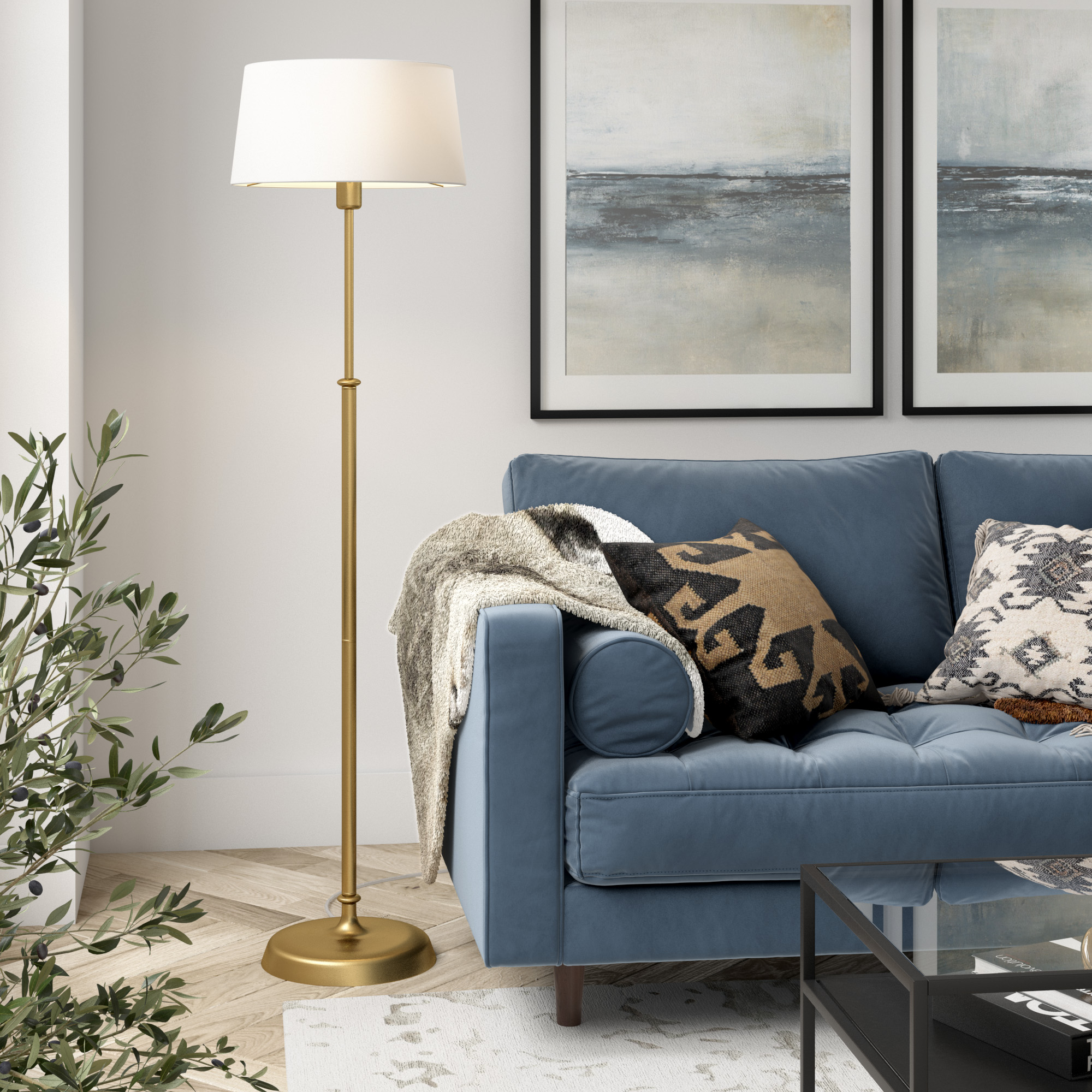 Suissa Floor Lamp in Brass