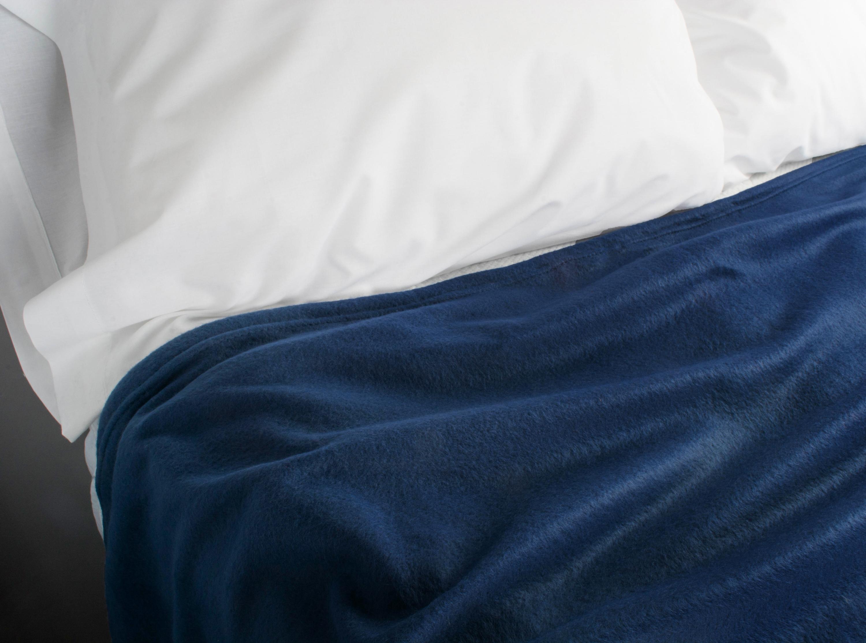 J&M Dark Blue Fleece Blanket King 108x90