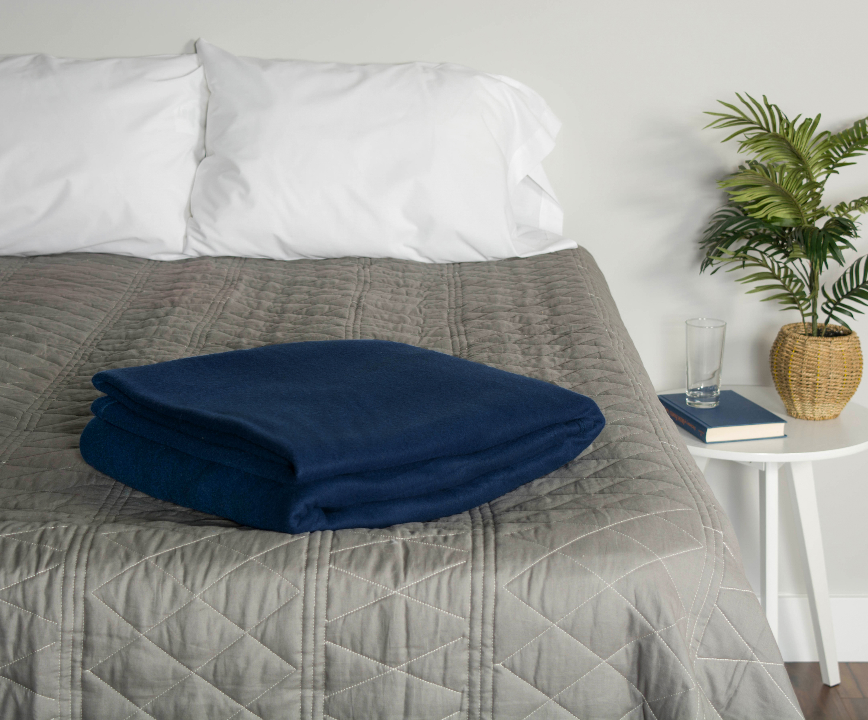 J&M Dark Blue Fleece Blanket Twin/Twin XL 60x96