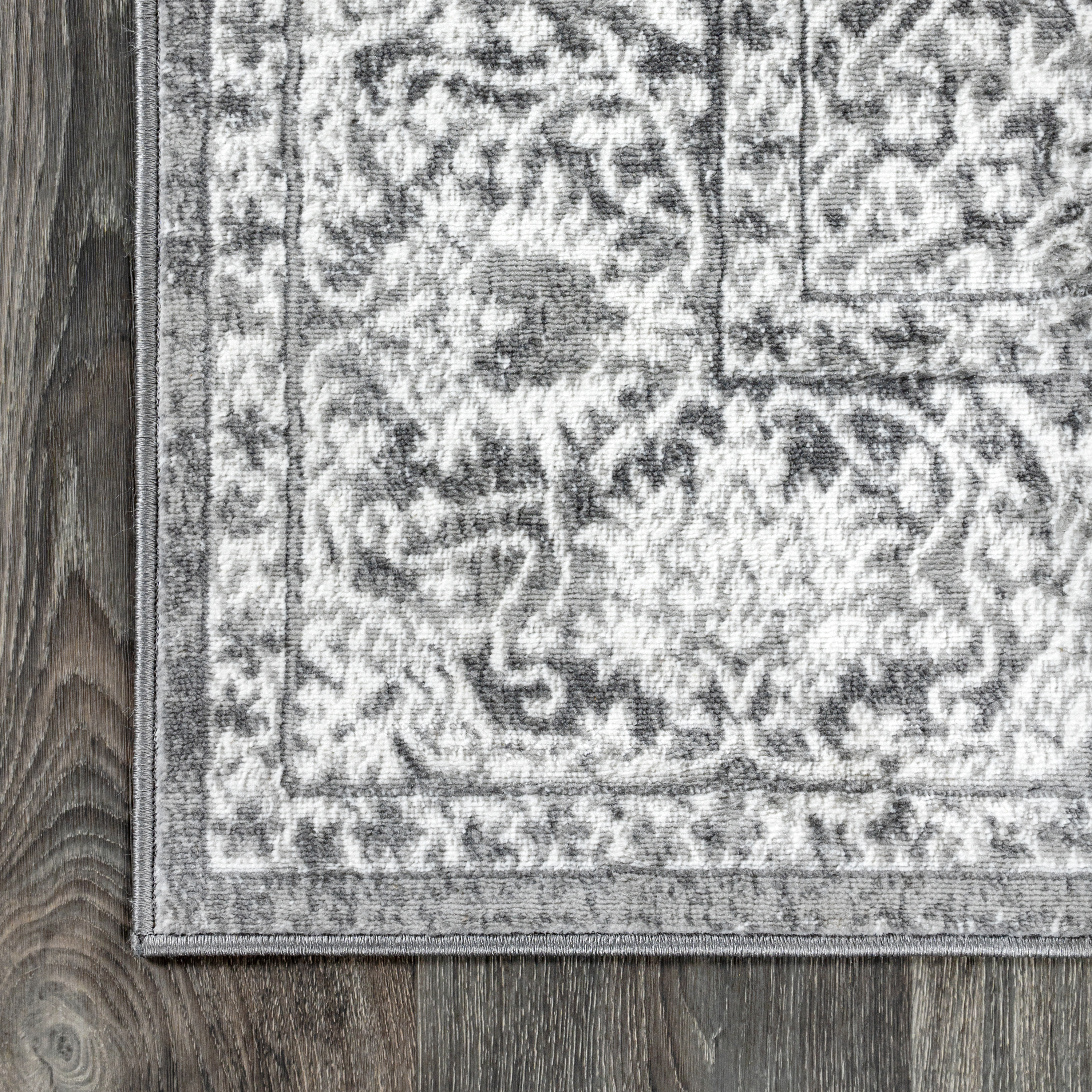 Modern Persian Vintage Medallion Light Grey 5' Round Area Rug