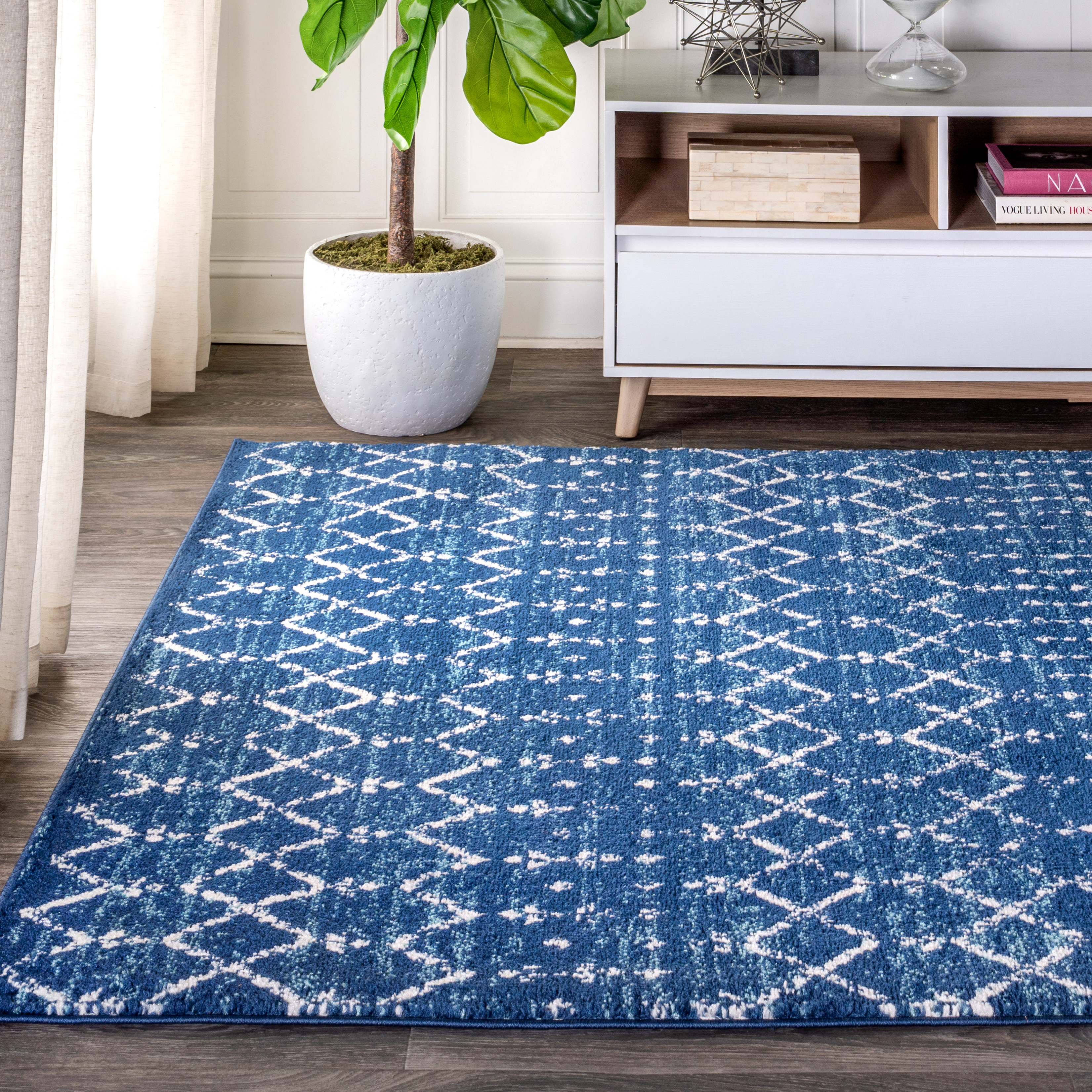 Moroccan HYPE Boho Vintage Diamond Blue/White 8 ft. x 10 ft. Area Rug