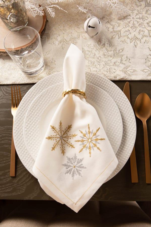 Sparkle Snowflakes Embroidered Napkin (Set of 6)