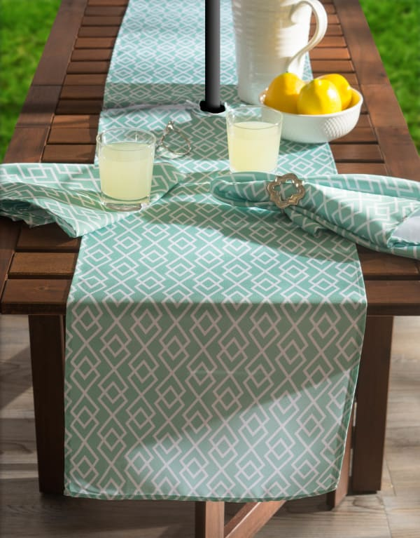 Aqua Diamond Outdoor Table Runner With Zipper 14x108
