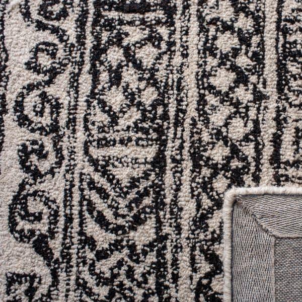Essence Ivory Wool Rug 2'5