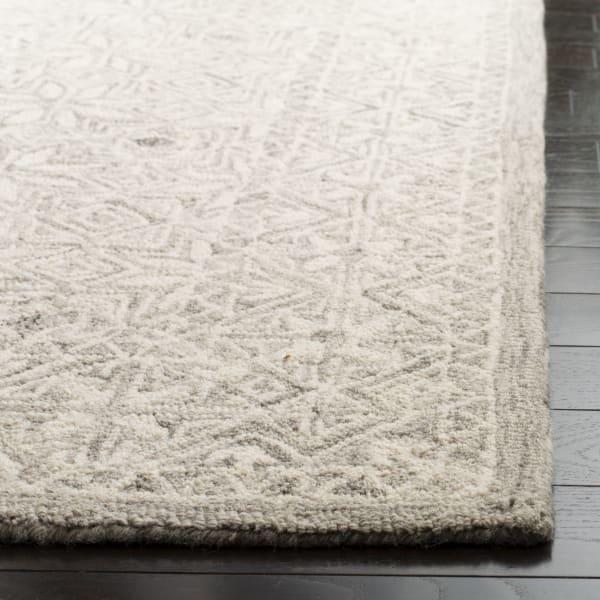 Essence Silver Wool Rug 2'5