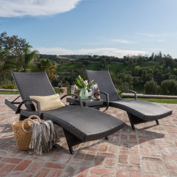 Chaise Lounge with Arms & Table 3-Piece Set