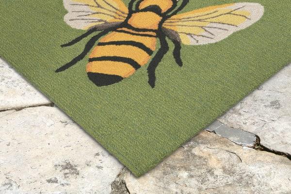 Bee Green 2'x3' Rug