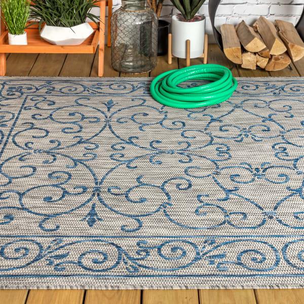 Vintage Filigree Textured Weave Outdoor Gray/Navy 8' x 10' Area Rug