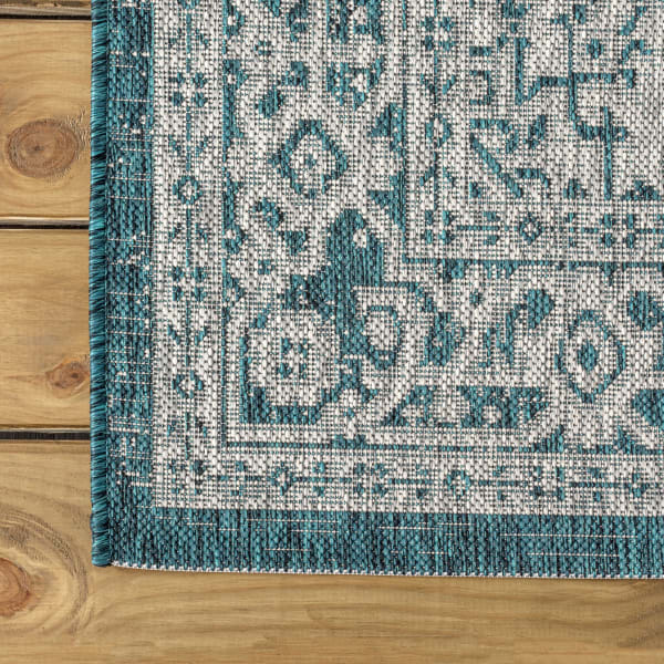 Medallion Textured Weave Outdoor  Teal Blue/Gray 5' x 8' Area Rug