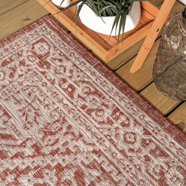 Medallion Textured Weave Outdoor Red/Taupe 4' x 6' Area Rug