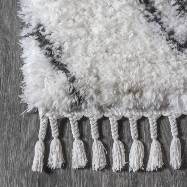 Moroccan Style Diamond Shag Ivory/Dark Gray 4' x 6' Area Rug