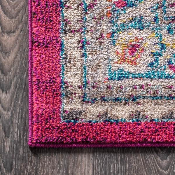 Bohemian Flair Boho Vintage Medallion Pink and Cream 4' x 6' Area Rug