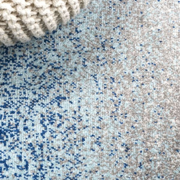 Modern Gradient Blue and Cream  4' x 6' Area Rug