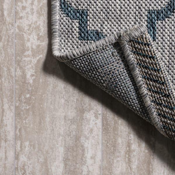 Arabesque Ogee Trellis Outdoor  Gray/Teal 5' x 8' Area Rug
