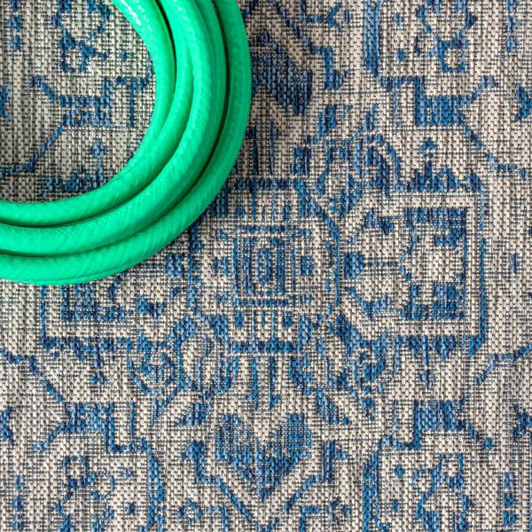 Medallion Textured Weave Outdoor Navy/Gray Rug: 2.25' x 8' Runner Rug