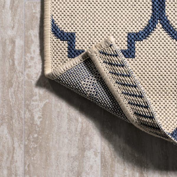 Arabesque Ogee Trellis Outdoor Natural 2.25' x 10' Rectangular Runner Rug
