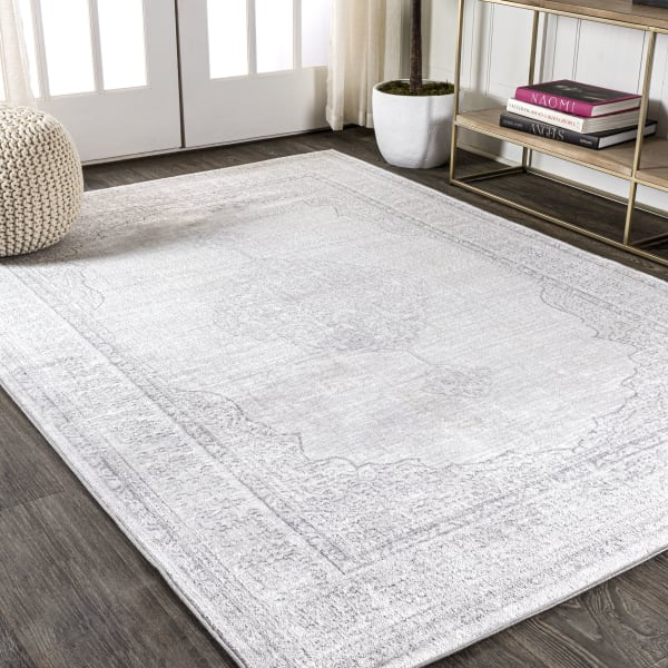 Ornate Medallion Traditional Gray 3' x 5' Area Rug