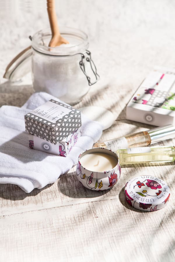 Buds + Blooms Mini Candle