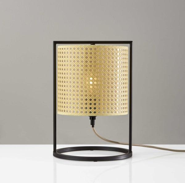 Fashionable Cane Shade Lantern Table Lamp