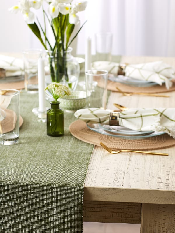 Sage & White 2-Tone Ribbed Table Runner