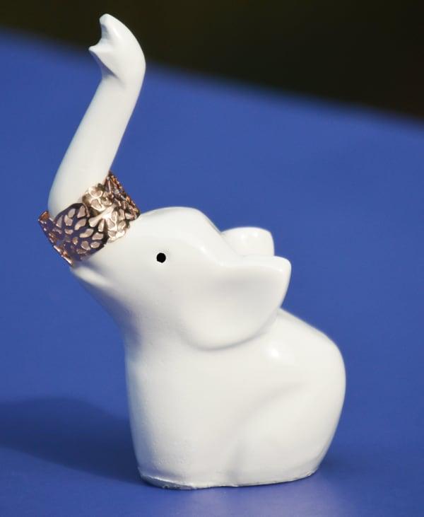 Elephant White, Aluminum Ring Holder