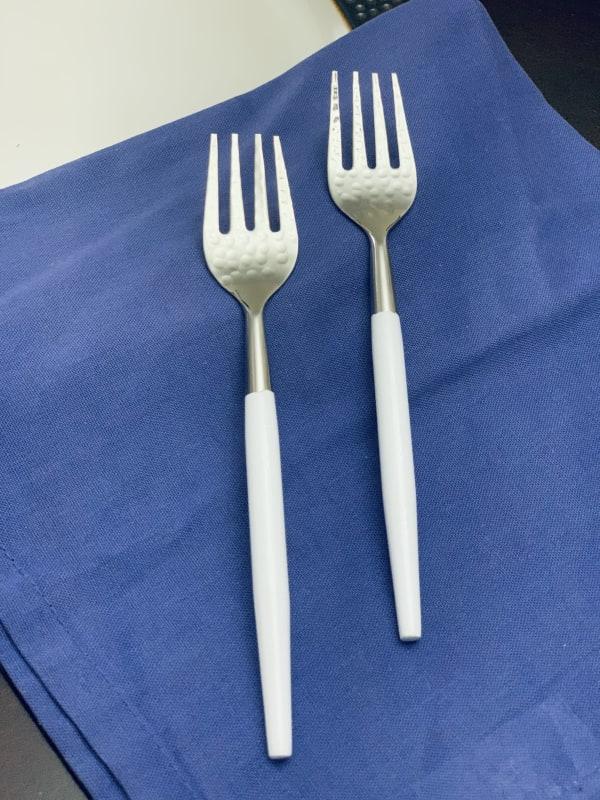 Hammered Mouth White Set of 6 Salad Forks