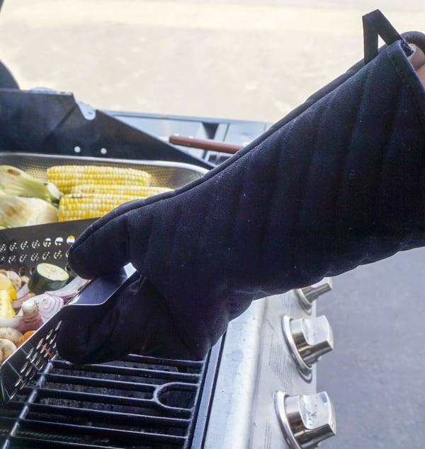 BBQ Black Glove