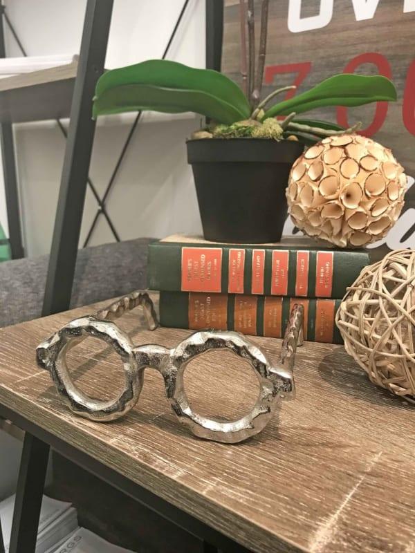 Round Glasses Sculpture