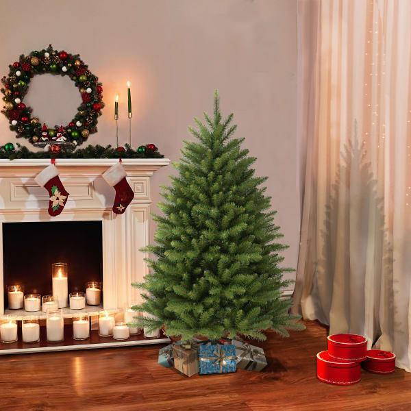 Lilliana 4.5' Green Fraser Fir Artificial Christmas Tree