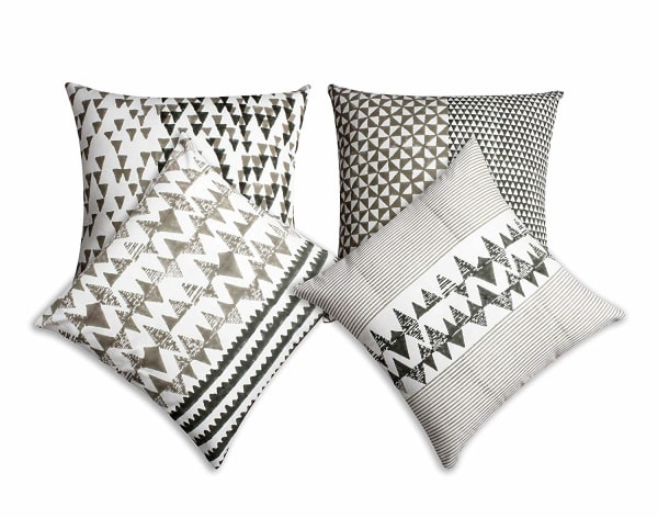 Geometric Details Block Printed Set of 4 Pillows