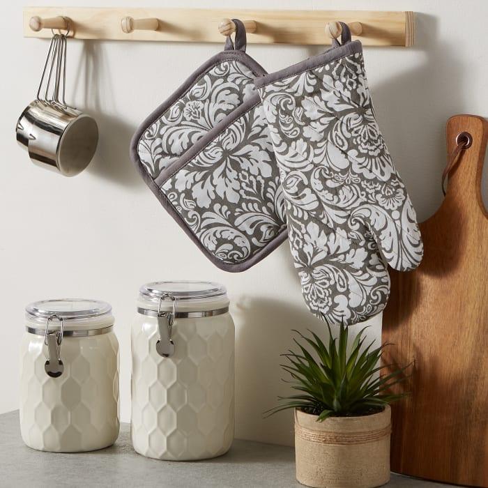Gray Damask Oven Mitt & Potholder Set