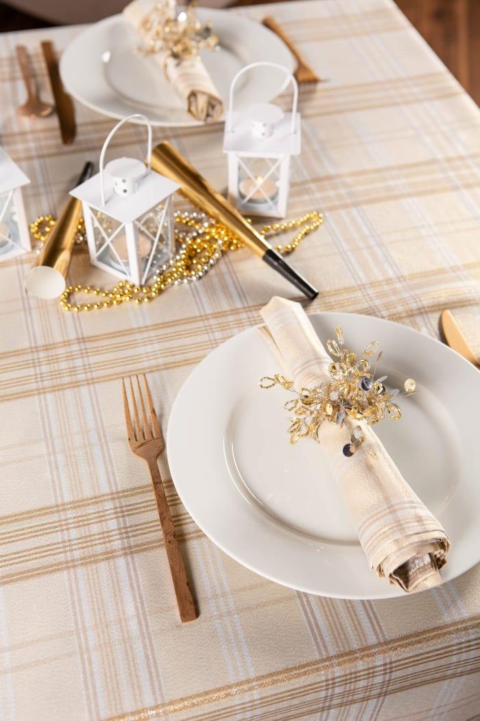 Cream Metallic Plaid Tablecloth 60x104