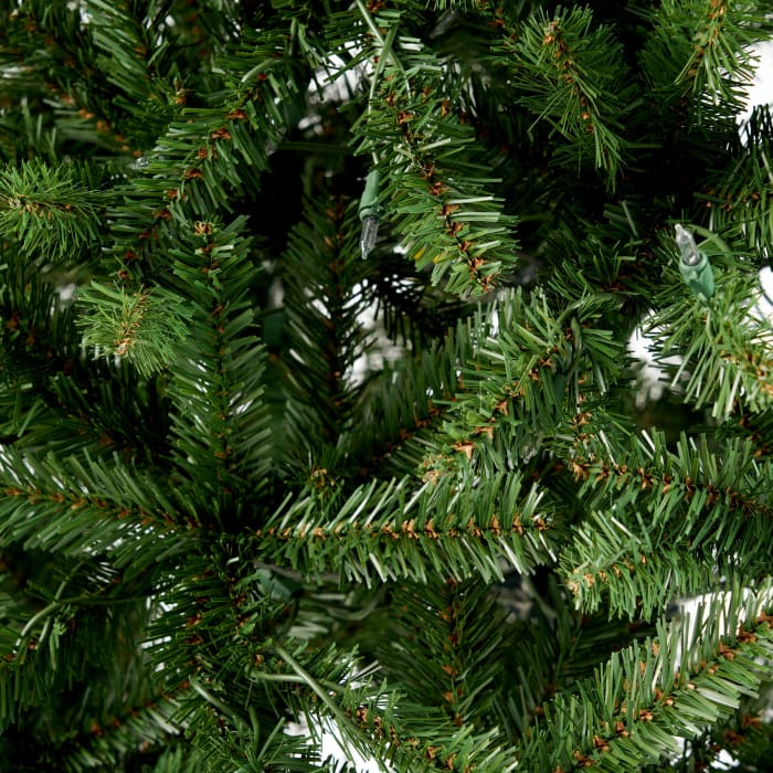 4.5-foot Norway Spruce Pre-Lit Clear String Light Hinged Artificial Christmas Tree