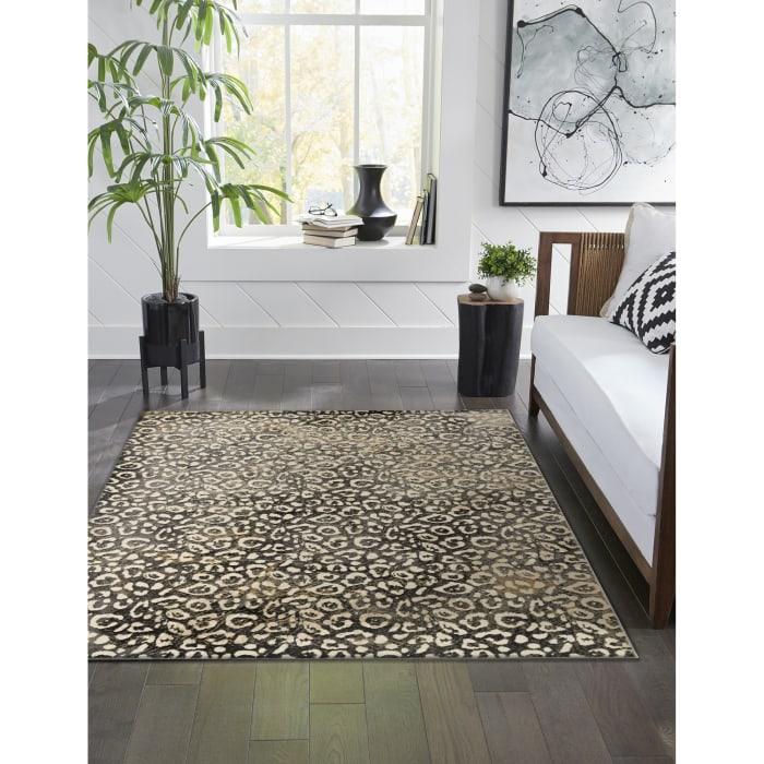 Leopard Black 5.25' x 7.5' Indoor Rug