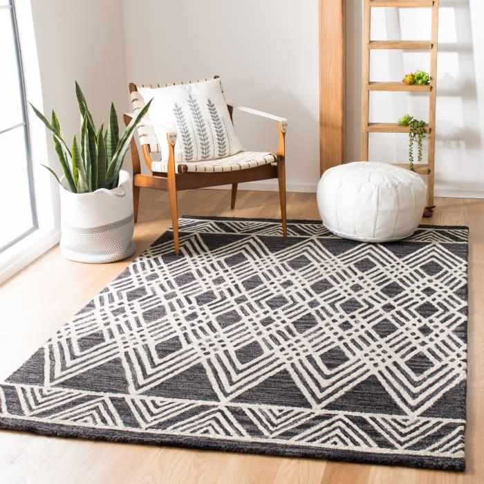Essence Black Wool Rug 8' x 10'