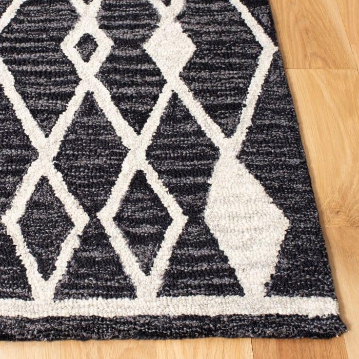 Essence Black Wool Rug 2' x 3'